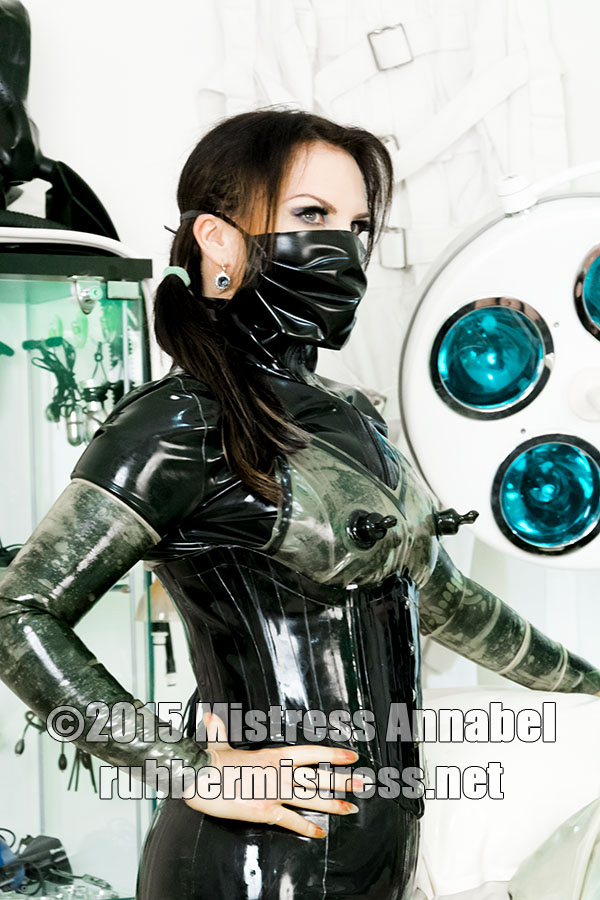 London-Mistress-Annabel-Rubber-Mistress
