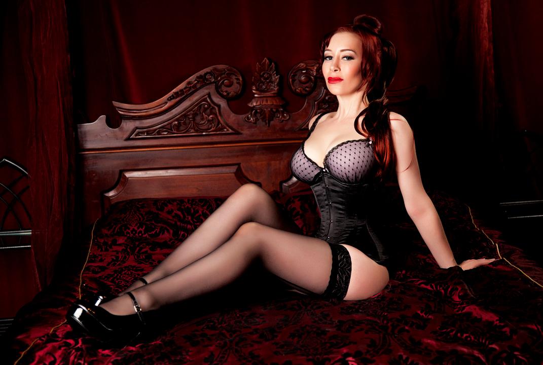 London-Mistress-Governess-Elizabeth-News