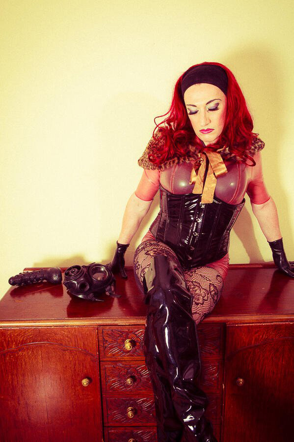 Manchester-Mistress-Sarah-Kane
