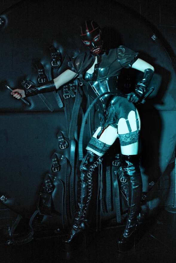 London-Mistress-Morana-Rubber