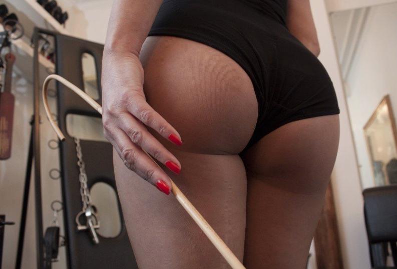 London-Mistress-Lady-Seductress-AssWorship