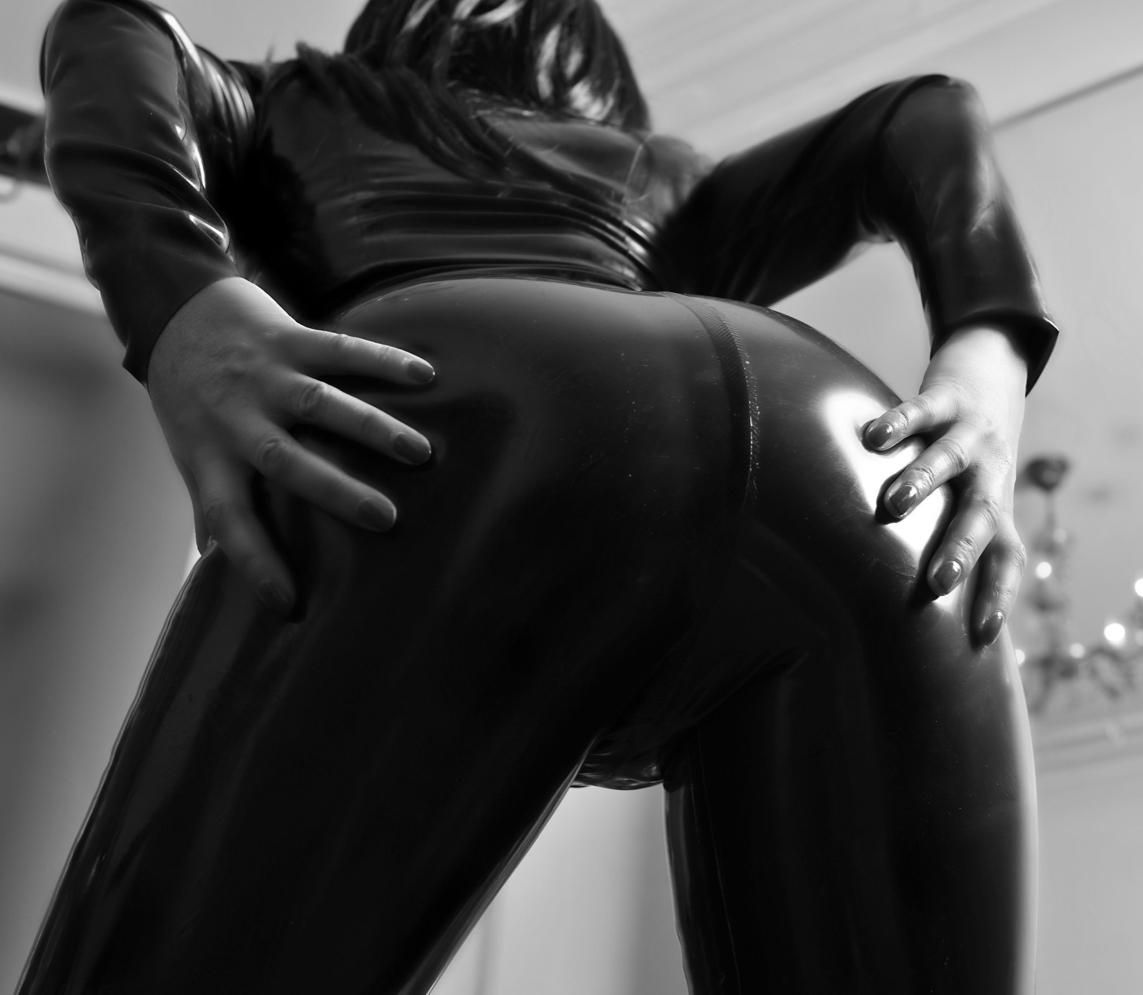 london-mistress-lady-seductress-ass-worship