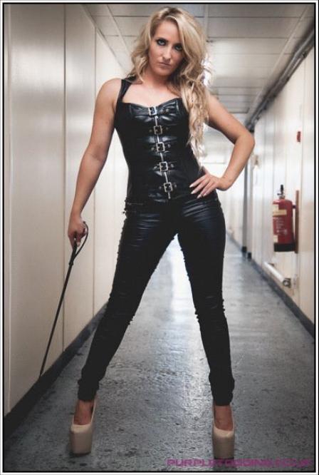 london-mistress-miss-courtney