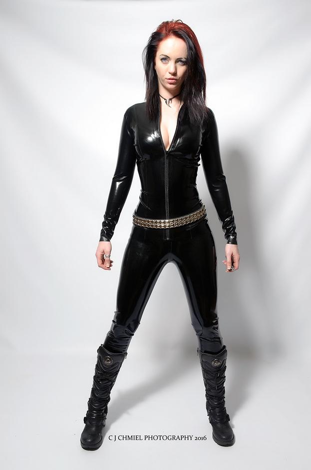 london-mistress-aleera-in-catsuit