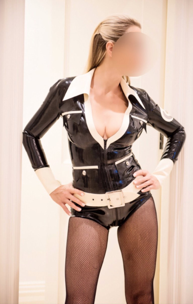 Dubai-Mistress-Countess-Steel